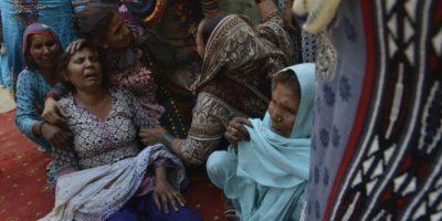 Los servicios de rescate de Lahore han entregado 30 cuerpos a sus familias. Foto:AFP