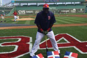 Ortiz exibiendo la bandera criolla Foto:Fuente Externa