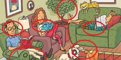 """Pueden encontrar """"NOVEL"""" (novela) en el brazo del sofá del padre que lee el periódico. También """"READ""""(leer) entre la oreja del perro y el pelo de la niña"""". """"STORY"""" (historia) en el pelo de la madre y en el libro que está leyendo. """"BOOK"""" (libro), desde la oreja del padre hasta finalizar en la lámpara; """"WORDS"""" (palabras) en el arbusto y """"PAGES"""" (páginas) en las piernas del joven acostado en el sofá. Foto:Tumblr"""