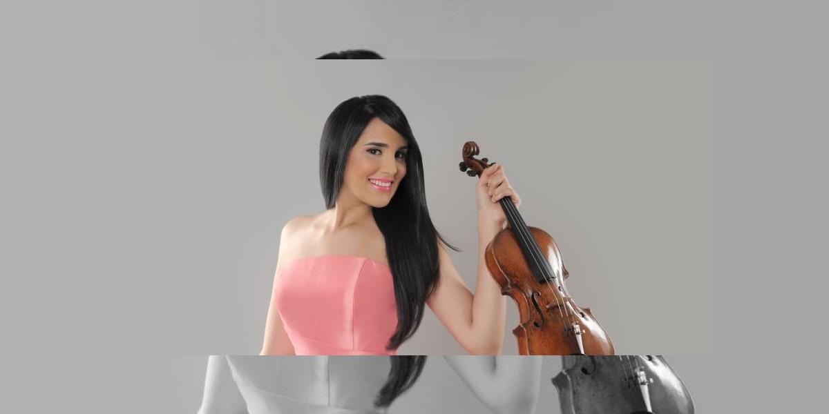 Aisha Syed culmina exitosa gira en Ecuador