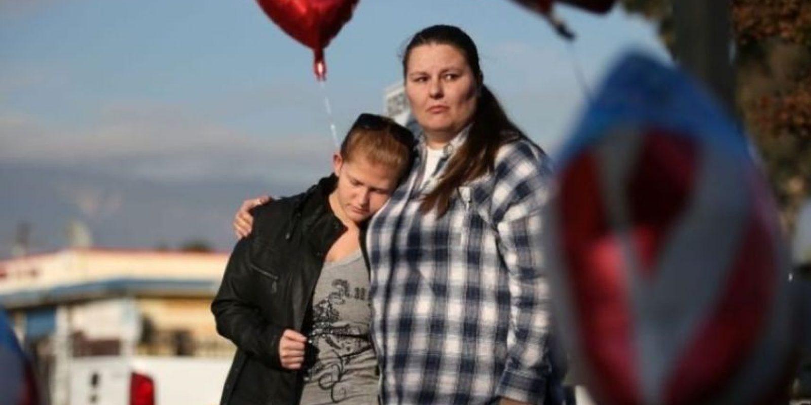 La pareja decidió realizar los ataques durante una fiesta navideña para empleados Foto:AFP