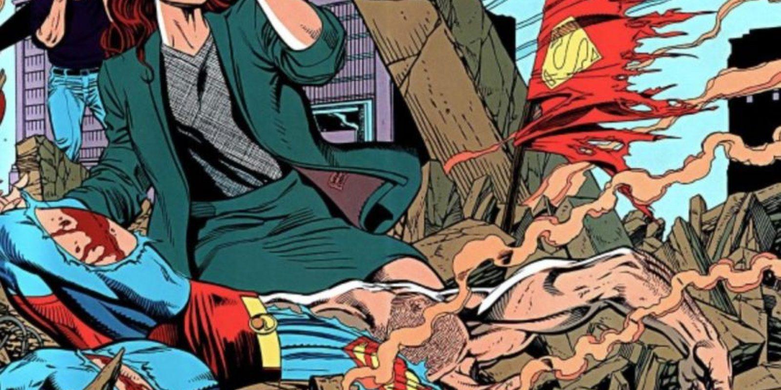 14. La muerte de Superman: la película tiene claras referencias a este cómic, donde el héroe muere a manos de Doomsday. Es de 1992. Foto:vía DC Cómics