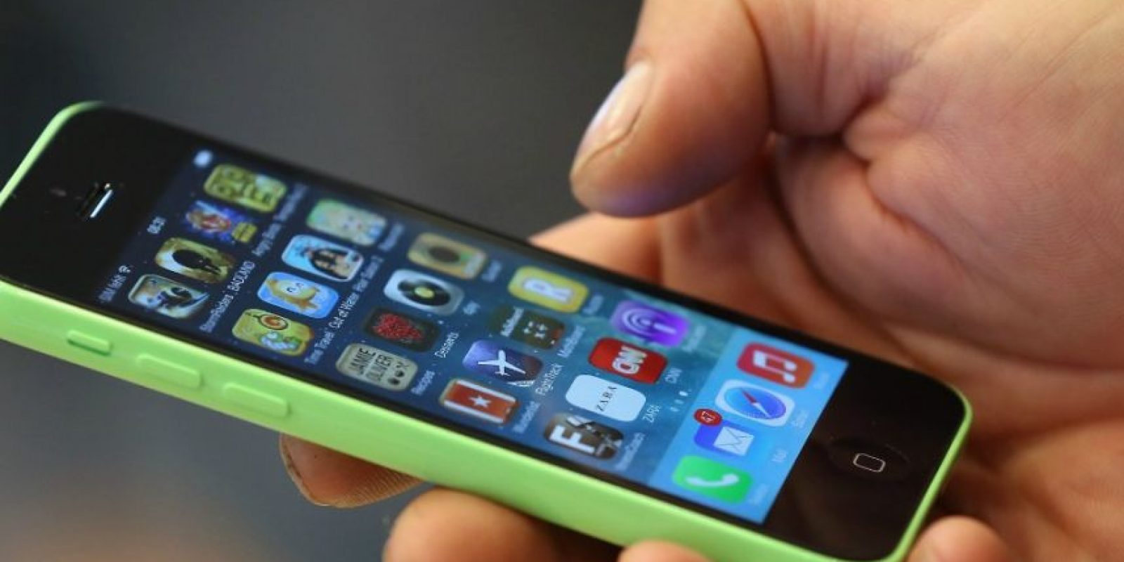 3. En su teléfono celular, eviten llevar fotografías y datos familiares. Foto:Getty Images
