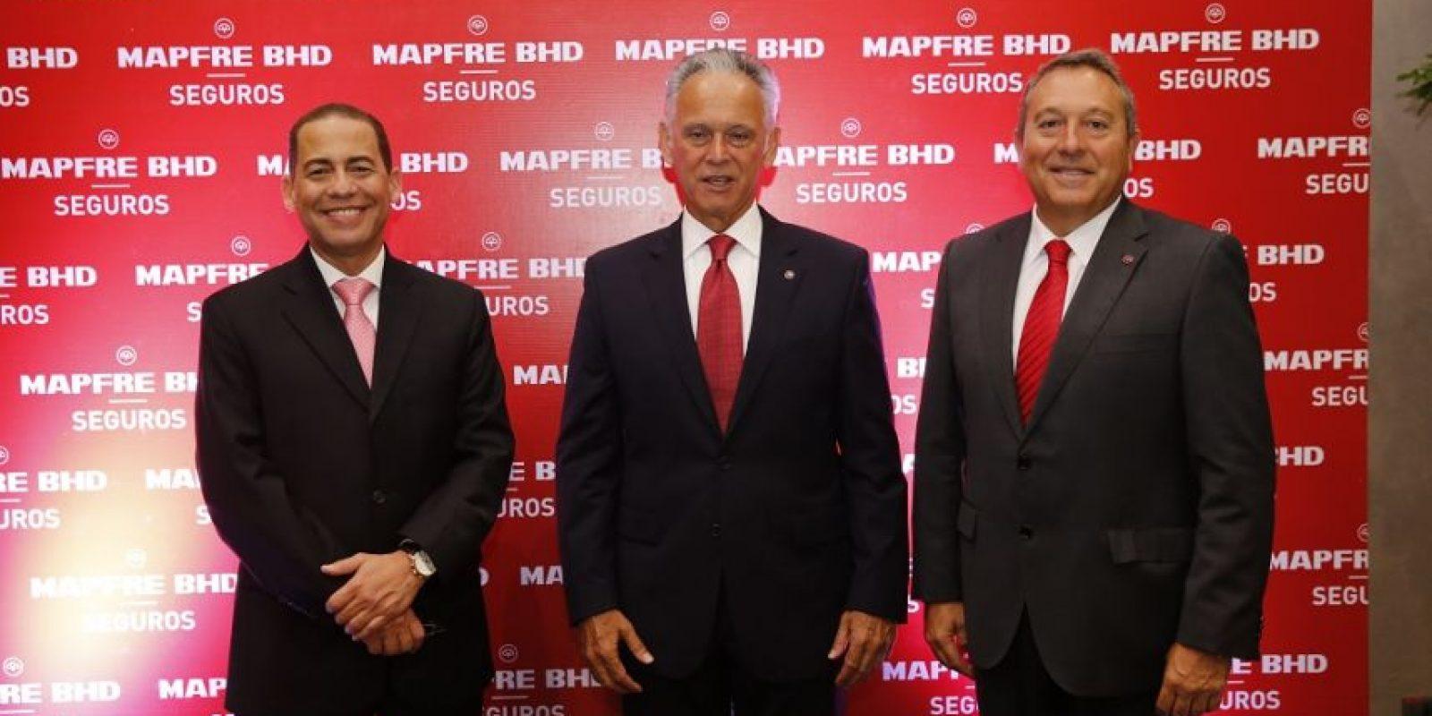 Ejecutivos de la compañía aseguradora, durante el encuentro financiero. Foto:Cortesía de Mapfre BHD