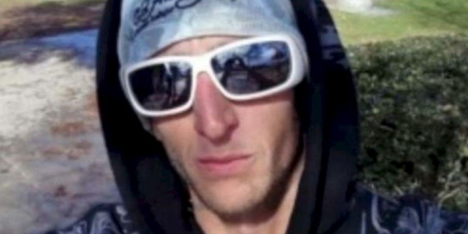 6. Comete el crimen y deja el teléfono: Adam Howe cometió el crimen perfecto. Robó en una iglesia, se tomó un selfie y dejó el teléfono. Un genio. Foto:Twitter