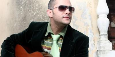 El mexicano Miguel Inzunza comparte escenario con Pavel Núñez