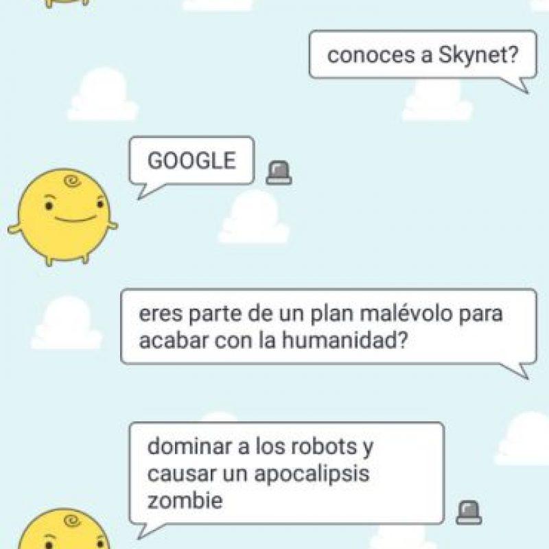 ¡Simsimi dice que Google es Skynet! Foto:Aplicación SimSimi