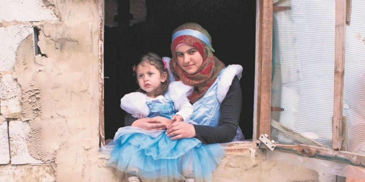 Niñas refugiadas convertidas en princesas