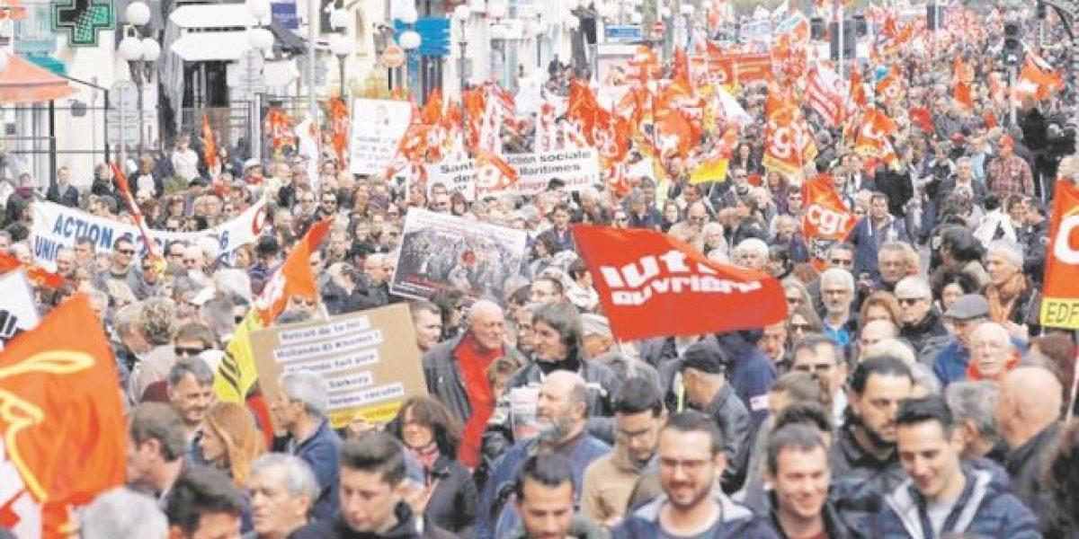 Franceses protestan contra nueva reforma laboral
