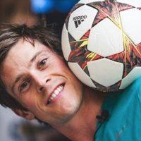 John Farnworth Foto:Vía instagram.com/footballmagic
