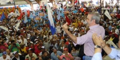 Abinader critica el abandono de la ciudad de Santiago