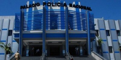 Un raso de la Policía muerto y dos heridos en tiroteo tienda Las Palmas