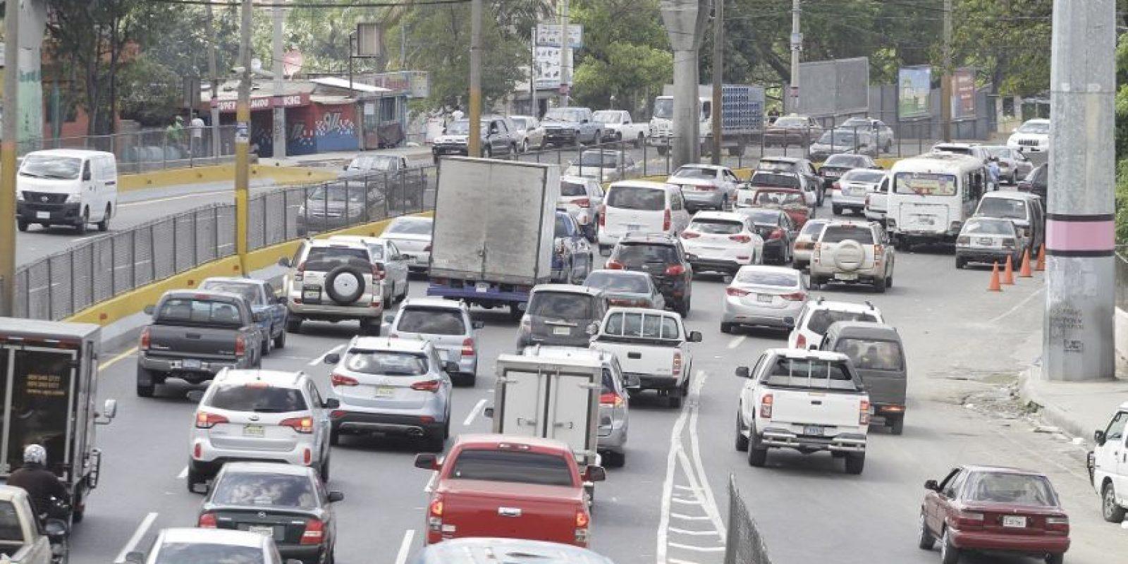 La concentración de la población y de los vehículos en el Gran Santo Domingo genera un gran problema de circulación. Foto:Roberto Guzmán