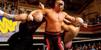 Road Warrior Hawk. Inducido en 2011, junto a su pareja Animal. Perdió la vida en 2003. Foto:WWE