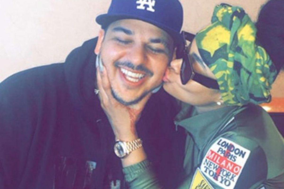 """Incluso, el mismo Rob confesó a sus hermanas que se había comprometido con Rita Ora y Adrienne Bailon, compartió el sitio """"TMZ"""". Foto:Vía Instagram/@blacchyna"""