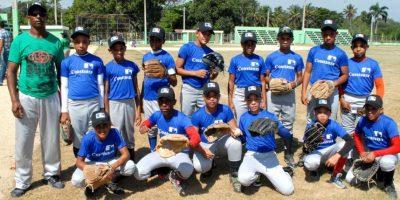 El Higuero y Constanza ganan en inicio torneo beísbol escolar
