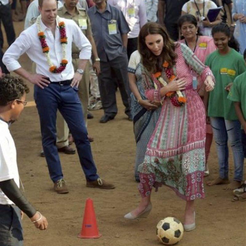 Y un poco de fútbol. Foto:AP