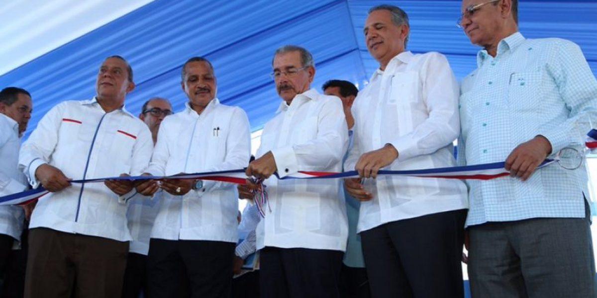 Medina inaugura trabajos de Proyecto Azua II para desarrollo agrícola en zona