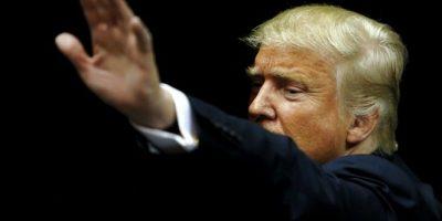 """Creador de Facebook le da """"cachetada con guante blanco"""" a Trump"""