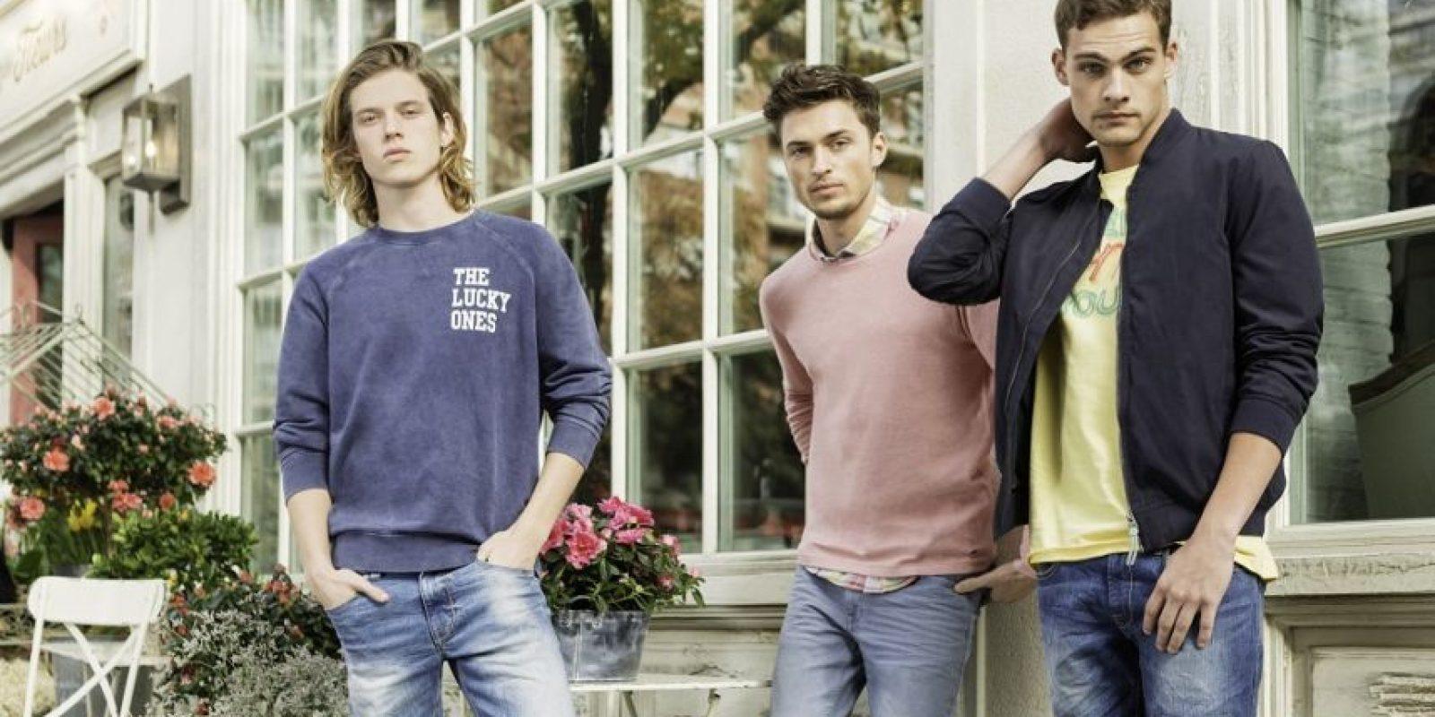 """""""Man-Made"""". Una colección muy práctica de tonalidades cálidas para él, que combina perfectamente con jeans de fuertes lavados. Los detalles con parches añaden una nota muy chula y moderna. Y, claro, los estampados étnicos no se quedan. Foto:Fuente externa"""