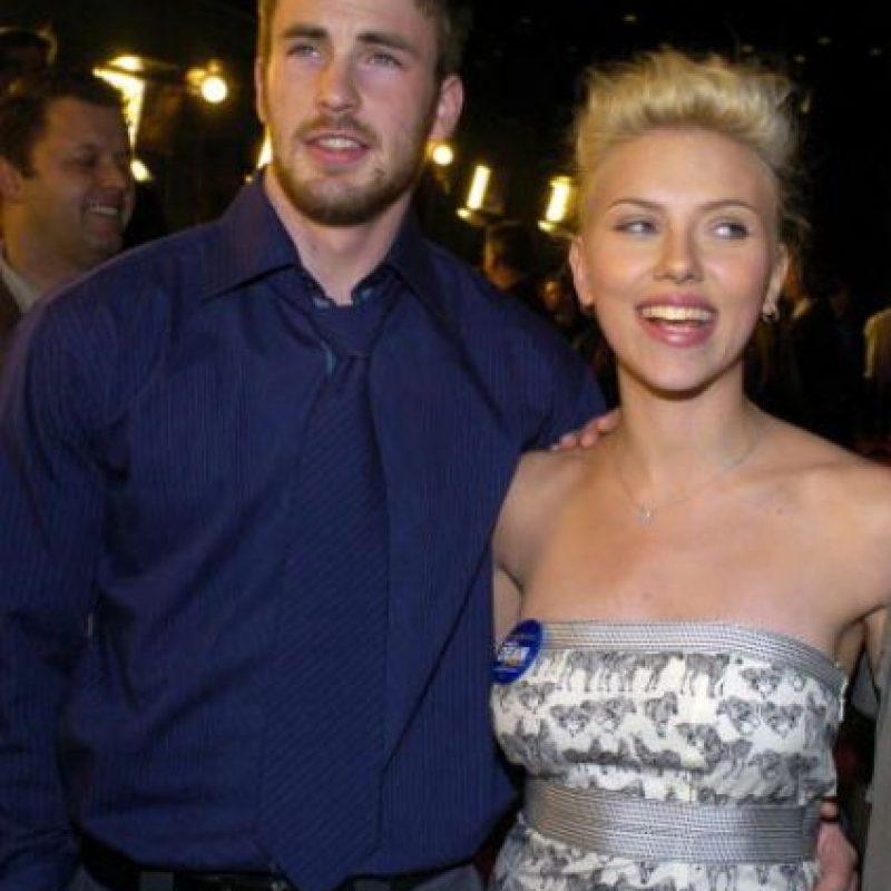 Acá, con Scarlett Johansson, antes de que los dos estuvieran en el universo Marvel. Foto:vía Getty Images