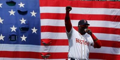 Ortiz ayudó a recordar a las víctimas del atentado del Maratón