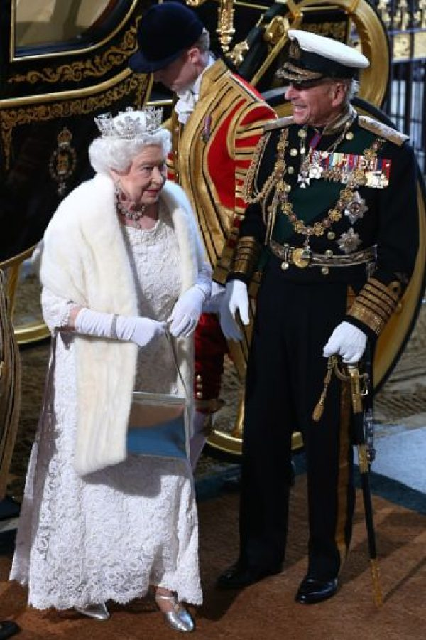El primer correo electrónico que envió Isabel II fue en 1976. Ella estaba tomando parte en una demostración de la red tecnológica en el Establecimiento Real de Señales y Radar, un centro de investigación en Malvern, Reino Unido. Foto:Getty Images