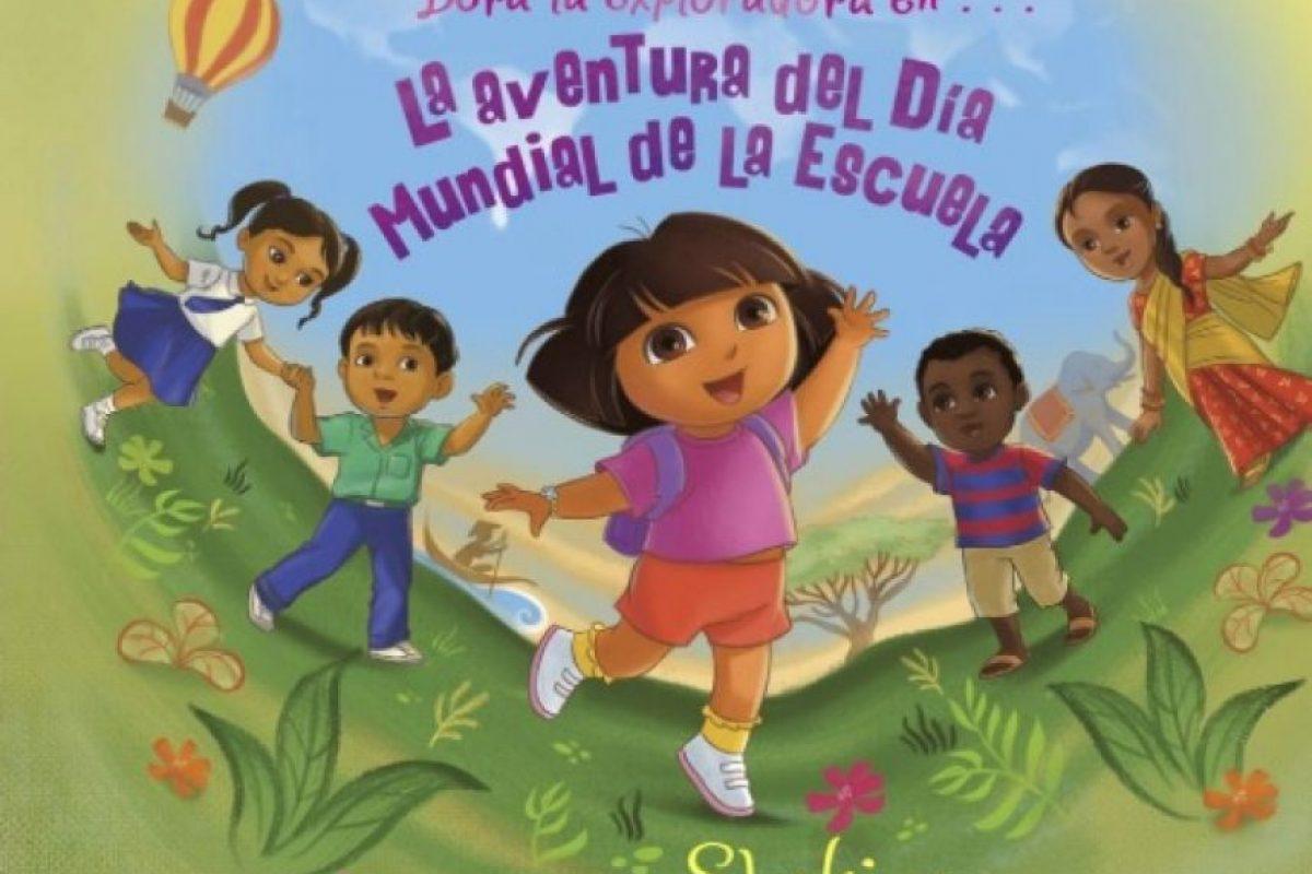"""En colaboración con Nickelodeon, Shakira escribió este cuento como una aventura más de la famosa """"Dora la exploradora"""" y su amigo """"Botas"""". Foto:Amazon"""