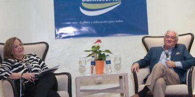 Clemen Damirón de Victoria y Cuquín Victoria en el conversatorioorganizado por el Centro Cultural Banreservas. Foto:Fuente Externa