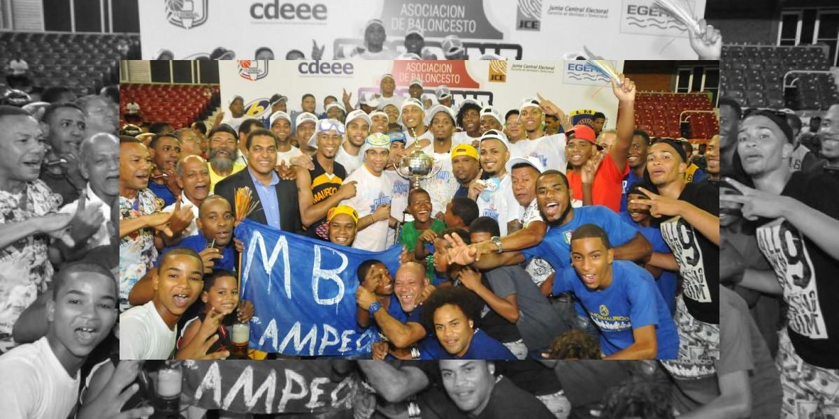 Presidente felicita a Mauricio Báez por sexto título básket distrital