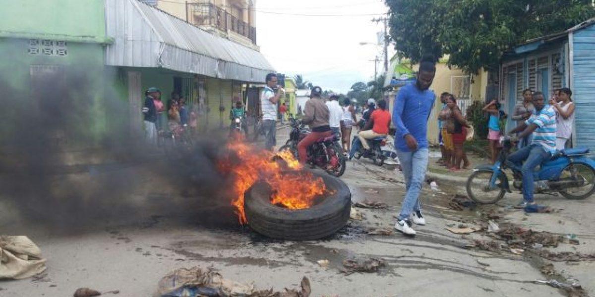 Sabana Grande de Boyá realizan  paro de tres días por asfalto de calles