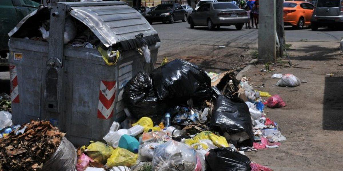 Se acumula la basura en Santo Domingo Este
