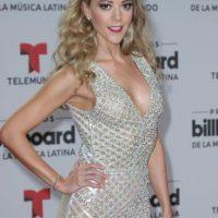 Fernanda Castillo en clásico look de reina de belleza latina de los ochenta. Foto:vía Getty Images