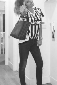 Es una gran fanática de la Juventus que dirige su padre Foto:Vía instagram.com/valentinallegrireal