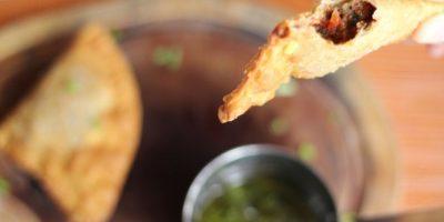 Empanaditas Gaucha. Crujiente masa rellenas de jugosa carne de res picadita.