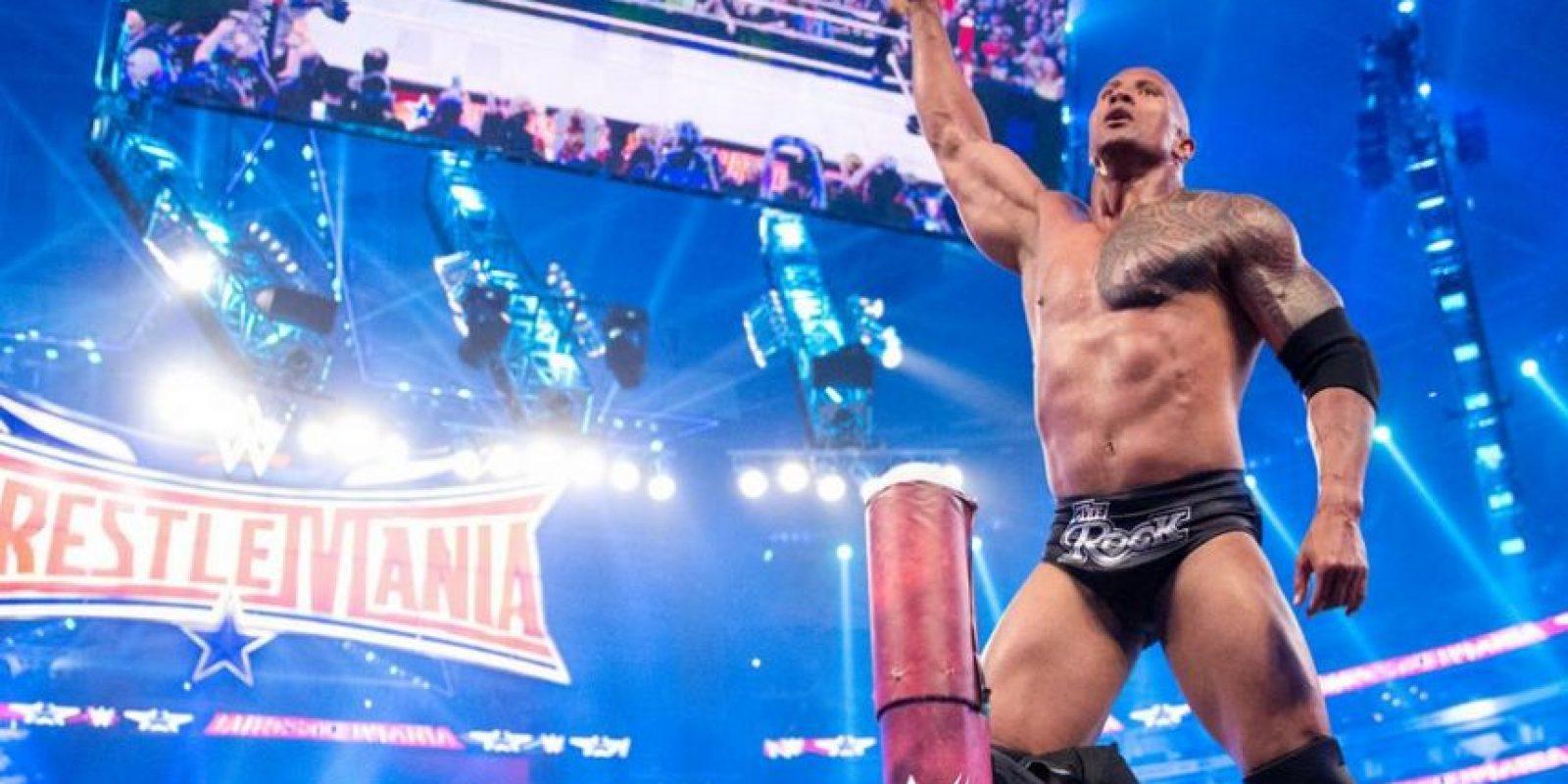 La Roca en una pelea de este año Foto:WWE