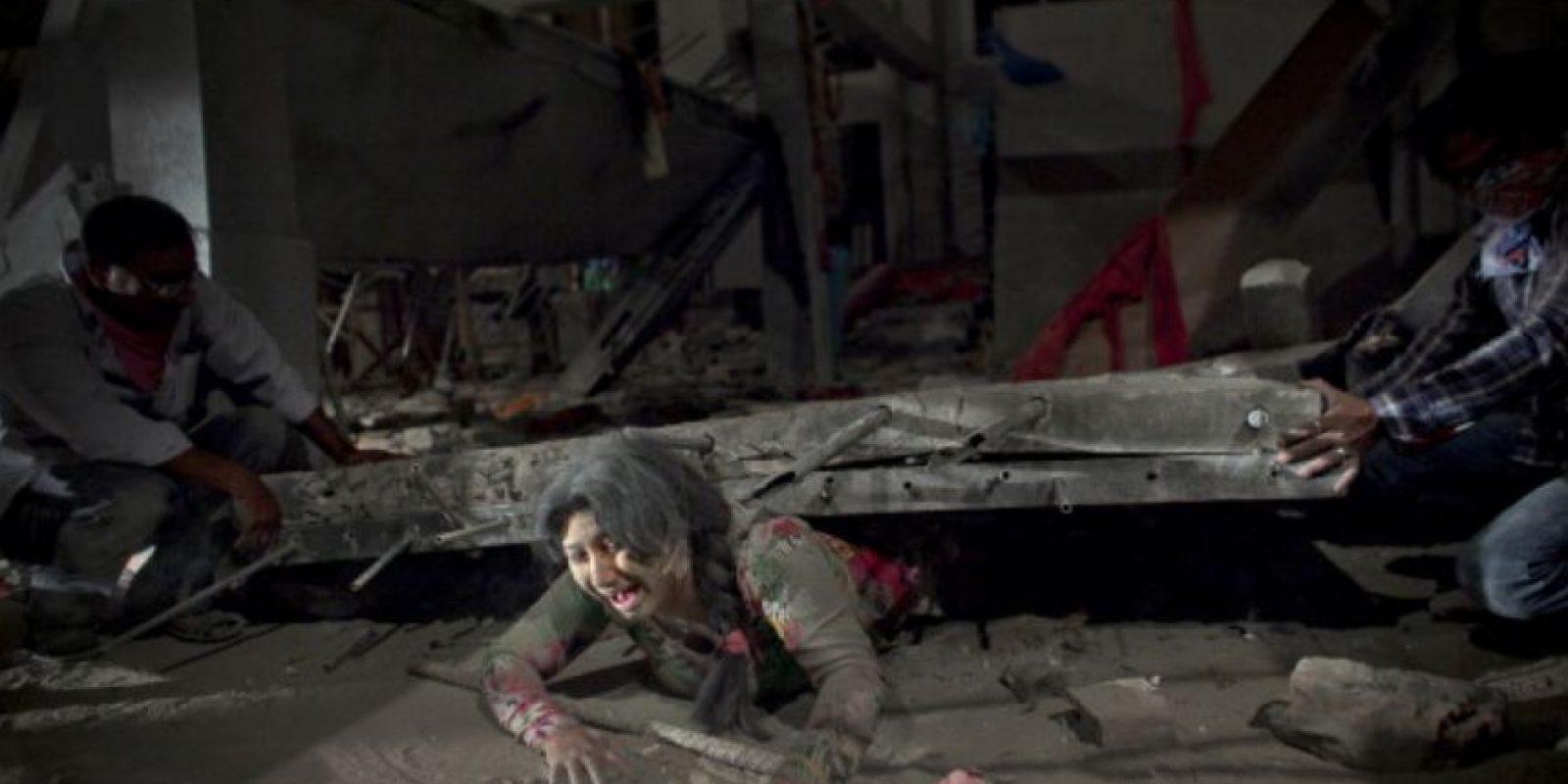La tragedia del edificio Rana Plaza en Bangladesh dejó 1127 muertos. Foto:vía Getty Images