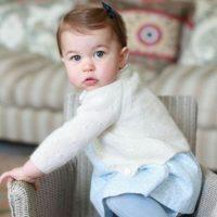 La familia de Kate y Guillermo ha hecho a la monarquía muy popular. Foto:vía Facebook/The Royal Family