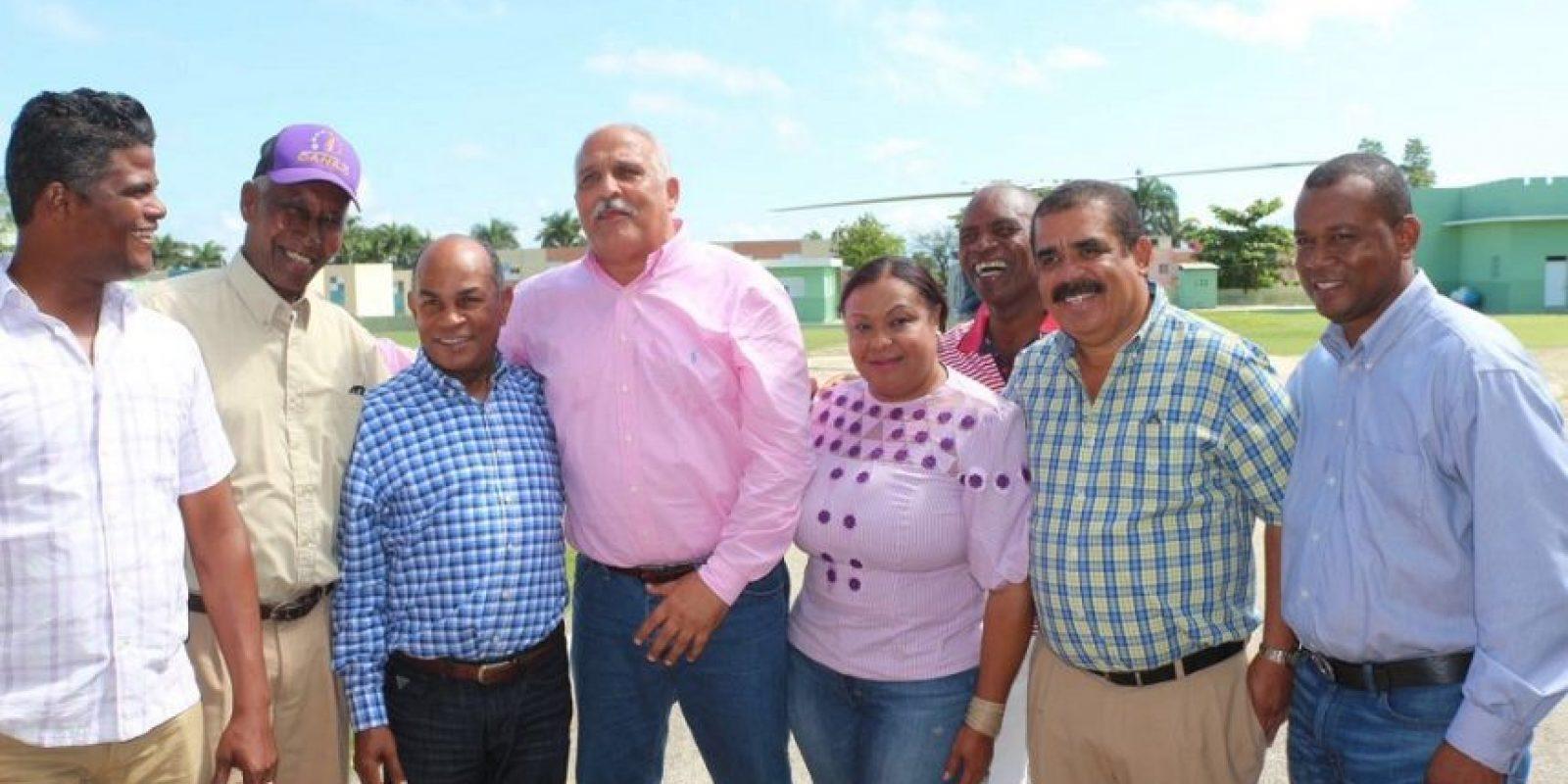 Jaime David Fernández Mirabal, ministro de Deportes, en compañía del senador Adriano Sánchez. Foto:Fuente externa