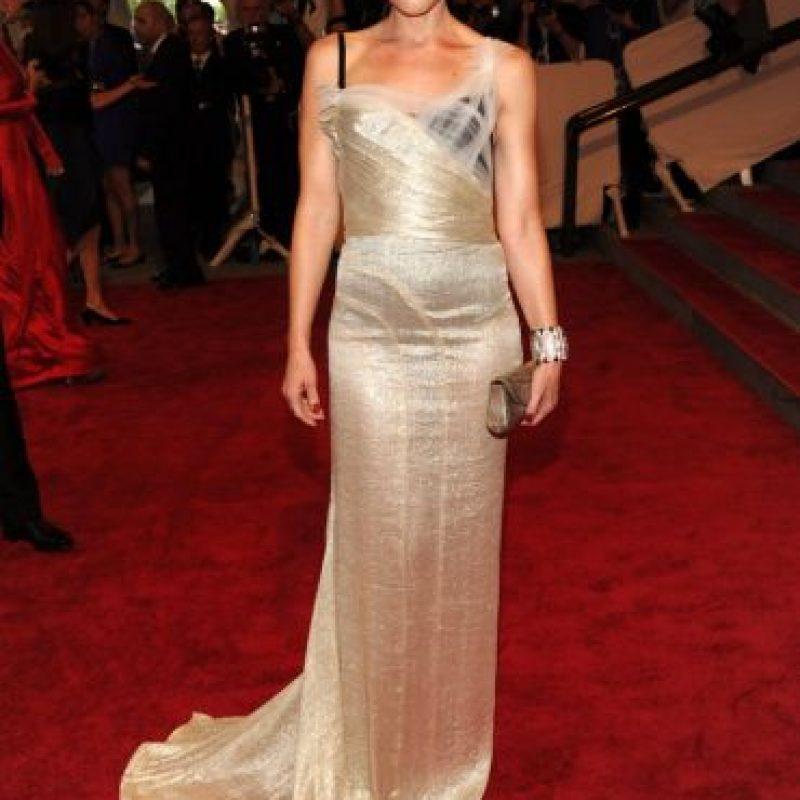 Gwen Stefani hace un contraste elegante entre las capas de su vestido. Foto:vía Getty Images