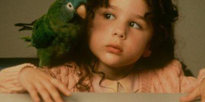 """Así está la niña de la película """"Paulie"""" 18 años después"""
