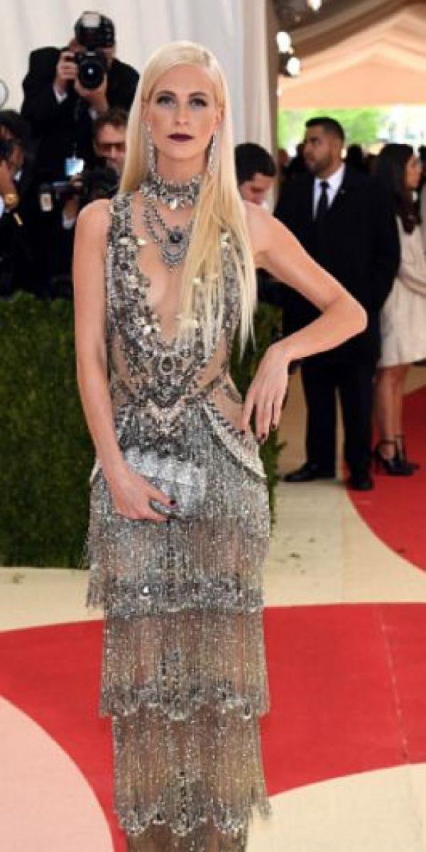 Poppy disfrazada de baile de gala de Mad Max. Foto:vía Getty Images