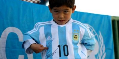 El niño tiene sólo cinco años, pero es un ferviente admirador de la estrella argentina. Foto:Unicef Argentina
