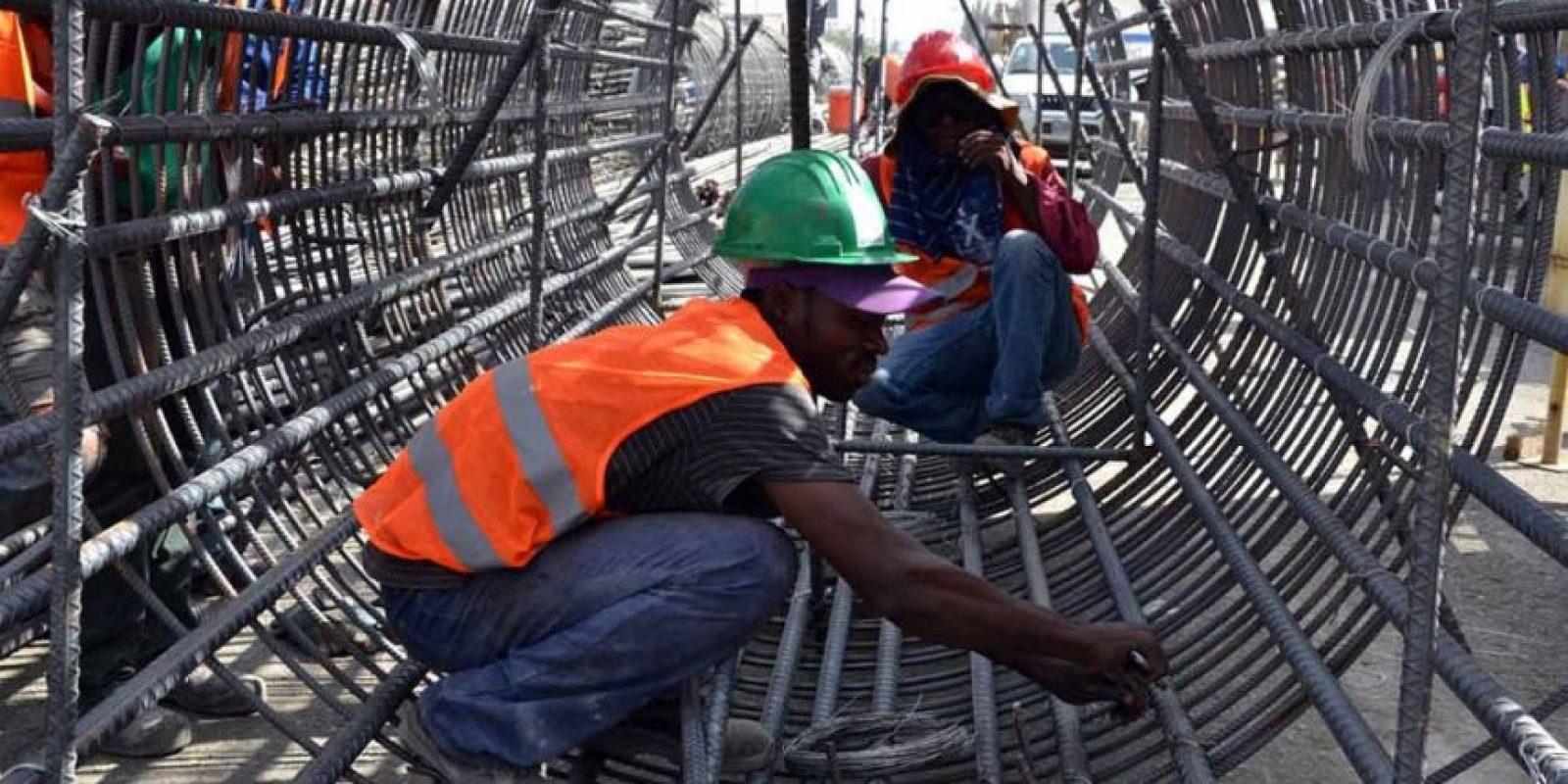 Según el Bsnco Central de RD, más de 8 millones y medio de personas están en edad laboral. Foto:Archivo