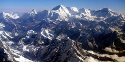 Su profundidad -11 kilómetros (7 millas)- es mayor a la altura de Monte Everest -ocho mil 848 metros sobre el nivel del mar-. Foto:Getty Images