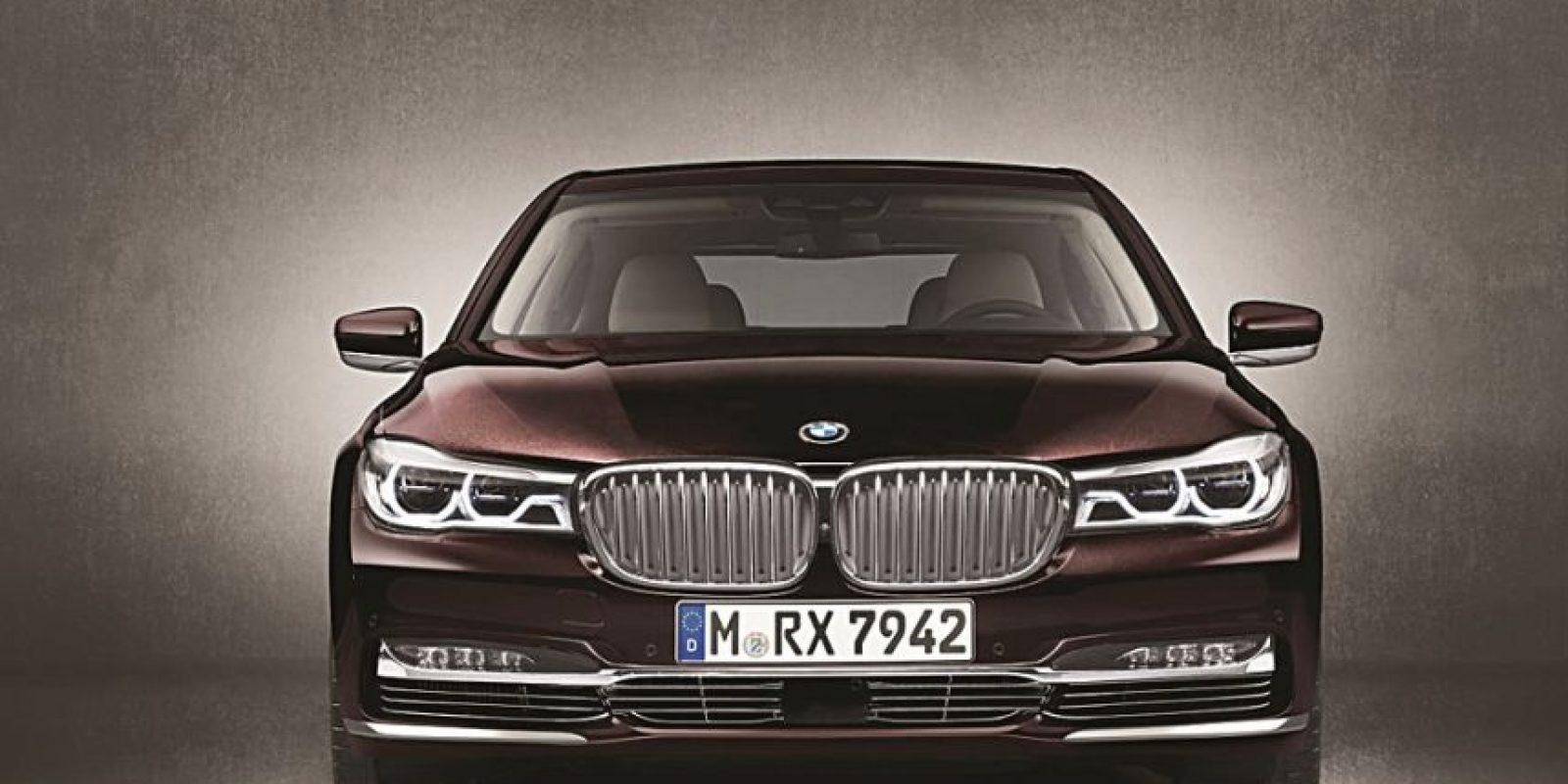 2- BMW. M760Li xDrive. Cuenta con un motor V12 de 6.6 litros, que promete generar hasta 600 caballos de fuerza. Llega al mercado con aros de 20 pulgadas. Foto:Fuente externa