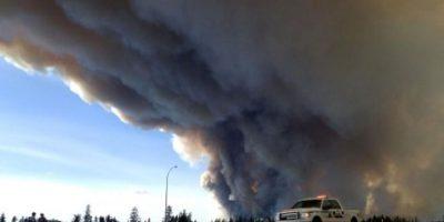 Canadá continúa luchando contra las llamas Foto:AFP