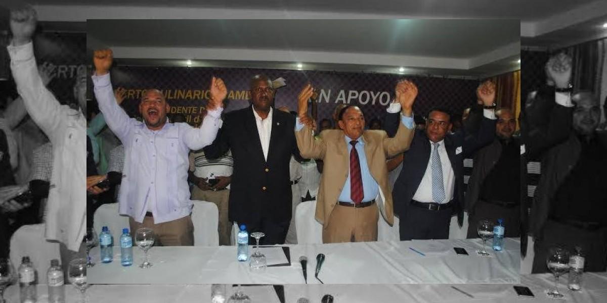 Candidato a alcalde Alfredo Martínez agradece apoyo de sindicalistas