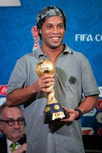 Ronaldinho estuvo presente también en la conferencia de prensa de la Copa FIFA Confederaciones Rusia 2017. Foto:Getty Images