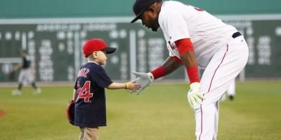 Big Papi recibe visita del niño al que le prometió HR